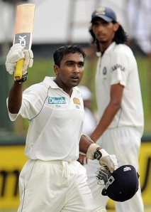 Mahela Acknowledges the crowd after getting to his hundred