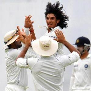 Ishant celebrating after dismissing Vandort