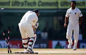 Zaheer Cleans up Brad Haddin on the 5th morning