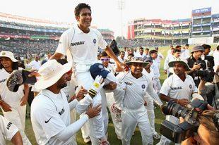 Team mates carry Kumble on their shoulder after the champion bowler announced his retirement from test cricket