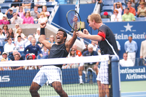 Leander and Doulghy won the Men's doubles title